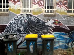 Street Art bird & bins